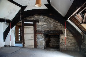Room 4, Truss 2 and fireplace
